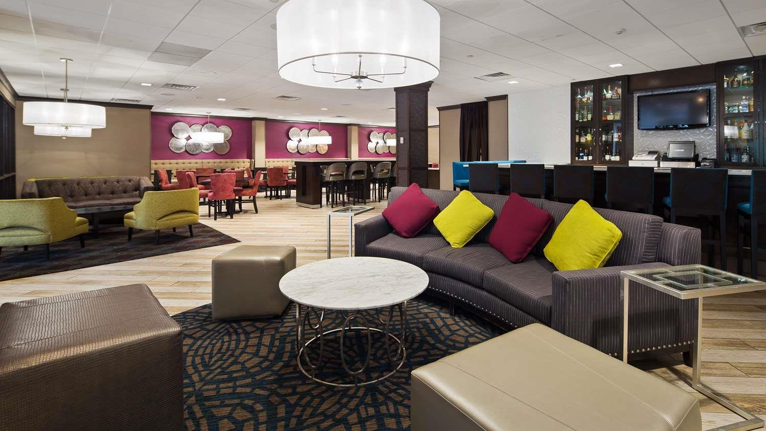Hotel in Kingston - BW Plus Kingston Hotel and Conference Center ...