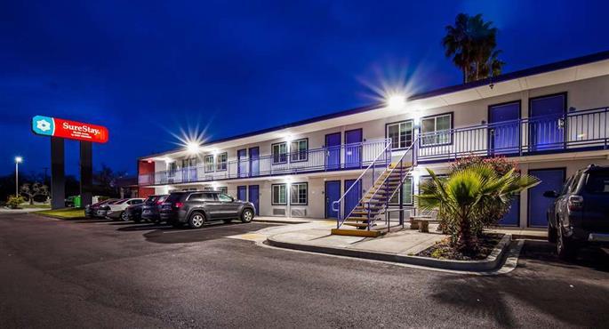 Hotel in Sacramento - SureStay Plus Hotel by BW Sacramento