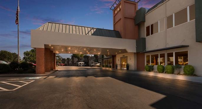 Lawton va center