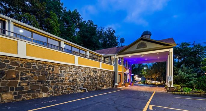 hotel a fort lee 31047 f