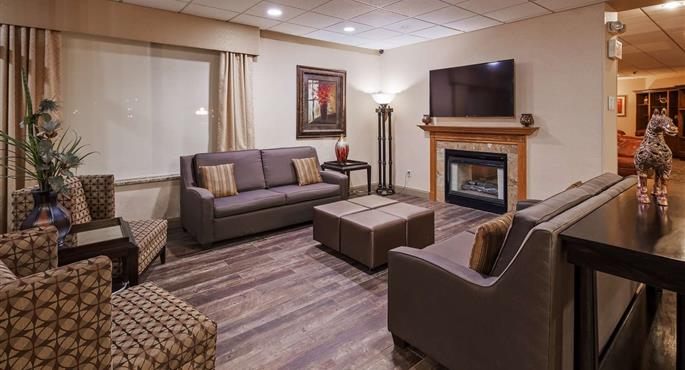 hotel council bluffs 16066 f