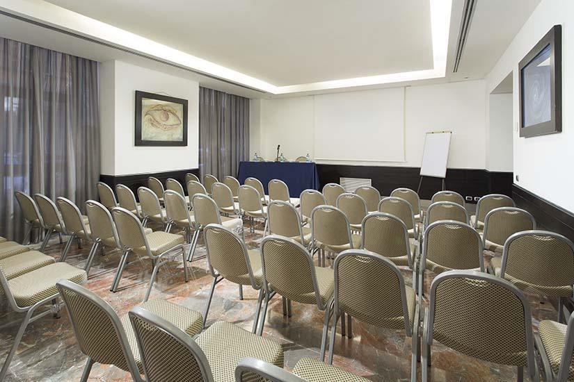 Sale Riunioni Roma Termini : Bw plus hotel universo roma: prenota online best western